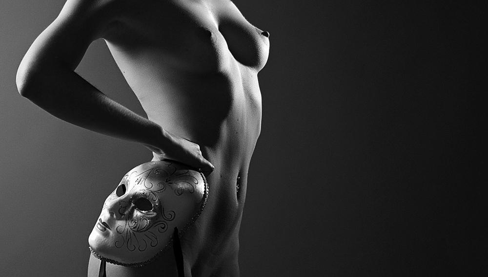 "photo ""***"" tags: black&white, nude,"