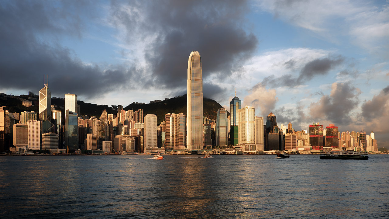 "photo ""Sunrise in HK"" tags: city, travel, Asia"