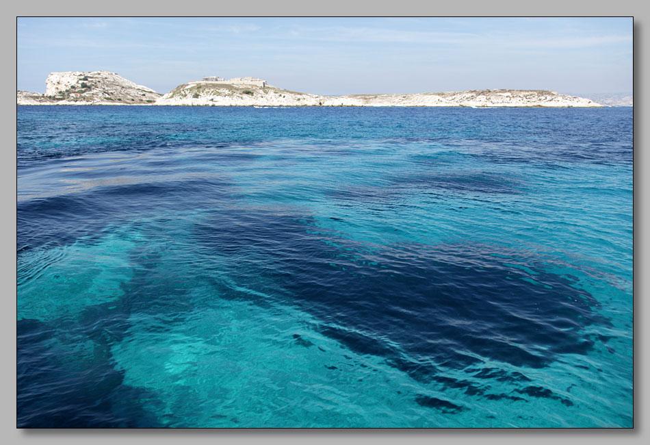 "photo ""Подплывая к острову Иф"" tags: landscape, travel, Europe, water"