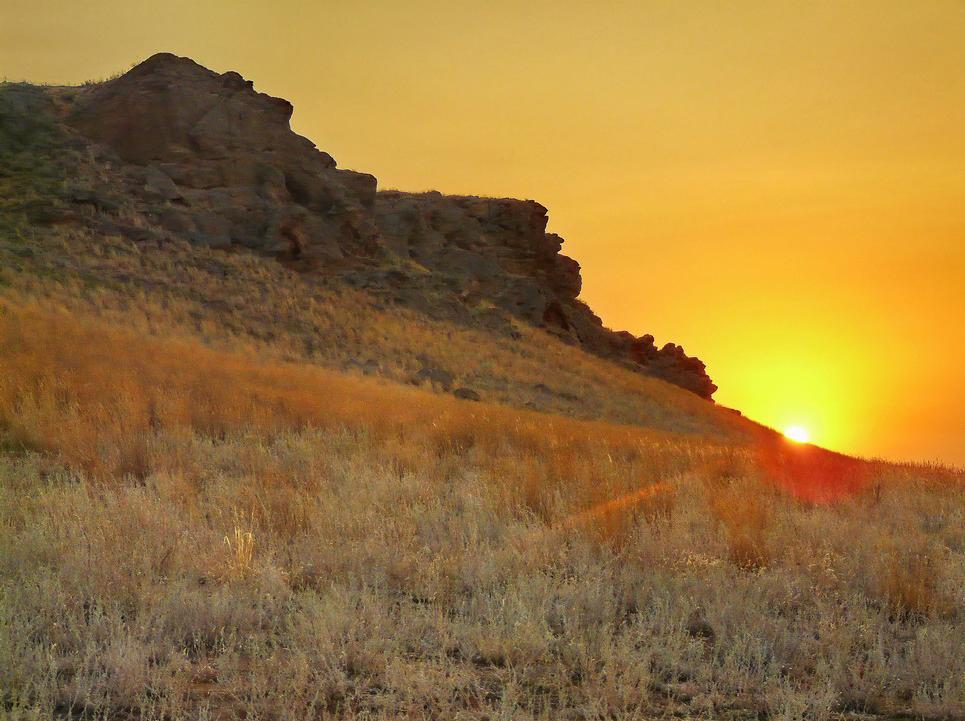 """фото """"Рассвет у горы Богдо"""" метки: пейзаж, горы, закат"""