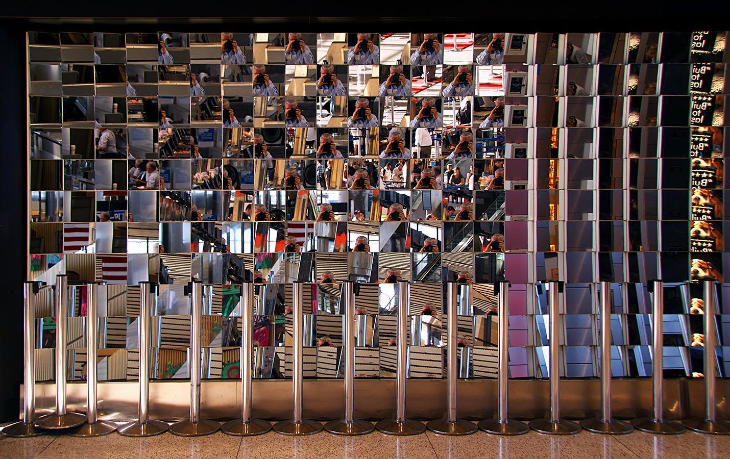 """фото """"""""Мимолетные отражения"""" в бостонском аэропорту"""" метки: интерьер, город,"""