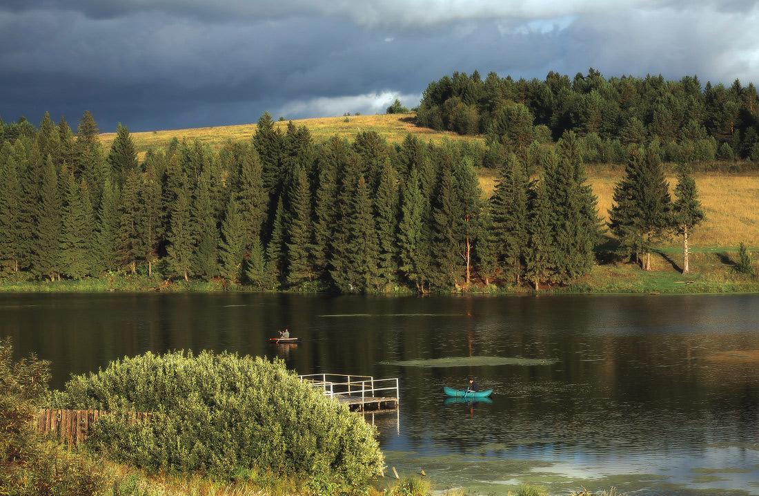 "фото ""Рыбалка на лесном озере"" метки: пейзаж,"