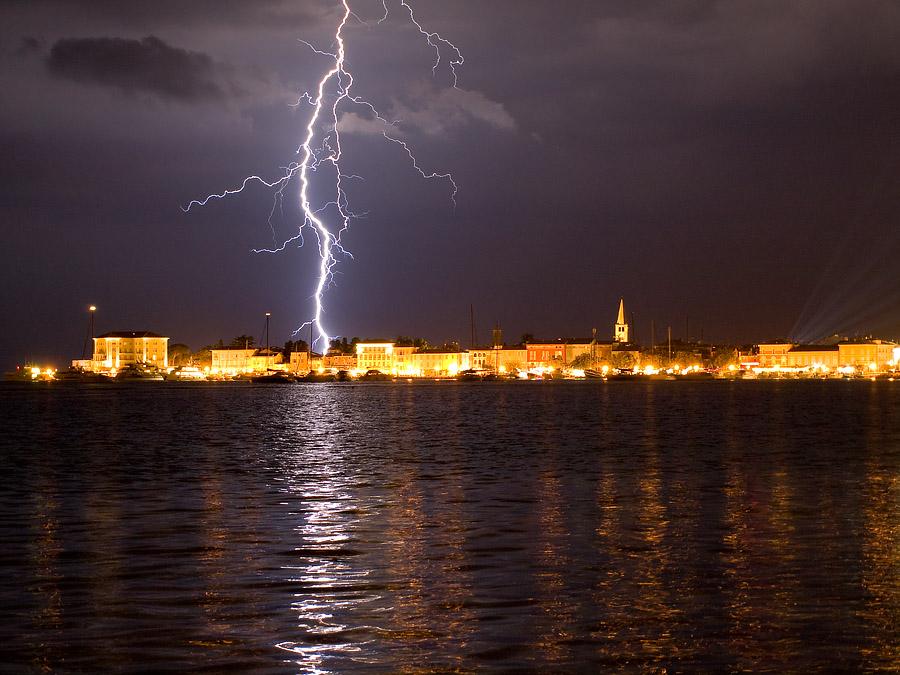 """фото """"Электрическая ночь"""" метки: пейзаж, путешествия, Европа, ночь"""