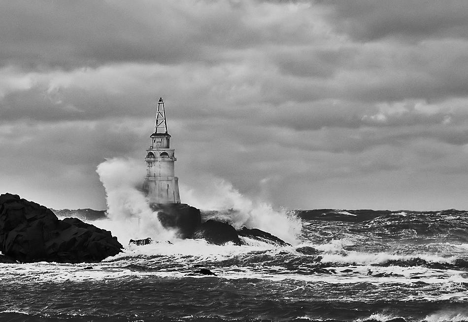 "фото ""Буря"" метки: пейзаж, черно-белые, вода"