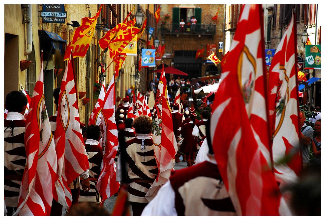 "фото ""The parade"" метки: путешествия, жанр, Европа"