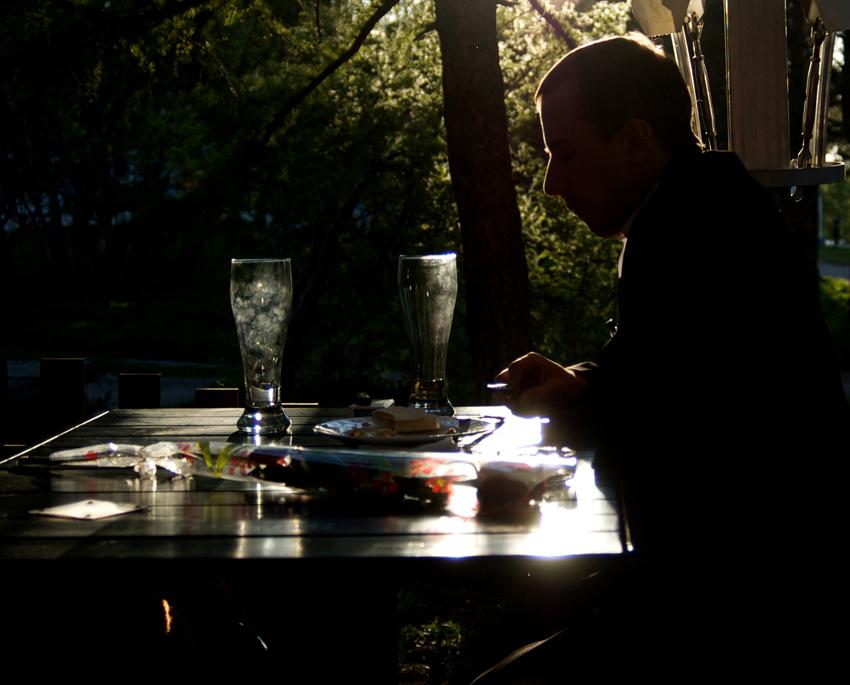 """фото """"Вечером в летнем кафе…"""" метки: портрет, жанр, мужчина"""