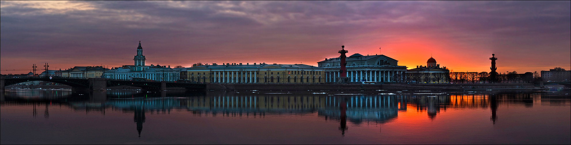 "photo ""Old Saint Petersburg Stock Exchange and Rostral Columns"" tags: architecture, city, landscape,"