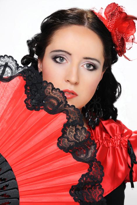 прически и макияж в испанском стиле фото