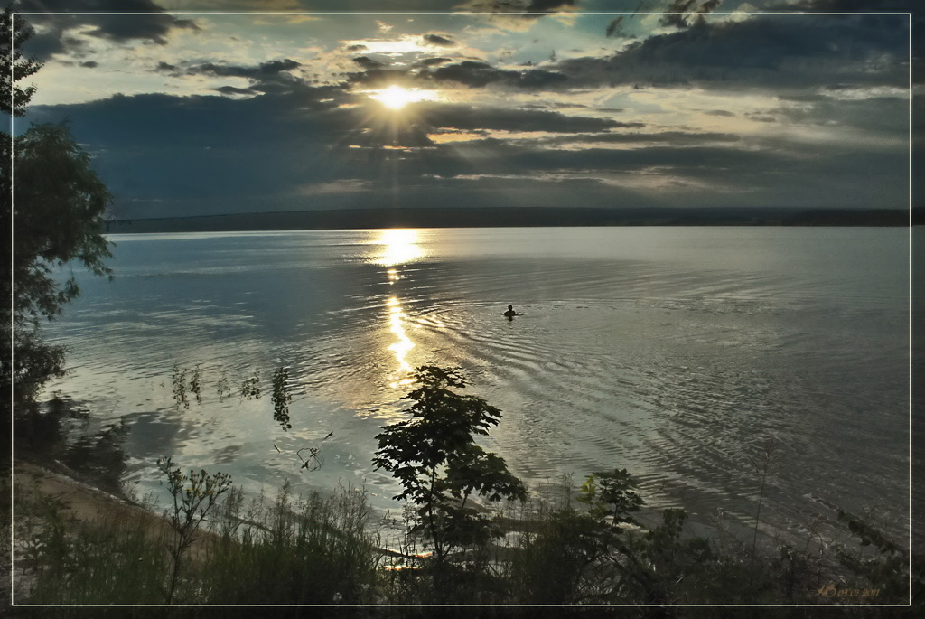 """фото """"Вечернее купание"""" метки: пейзаж, вода, закат"""