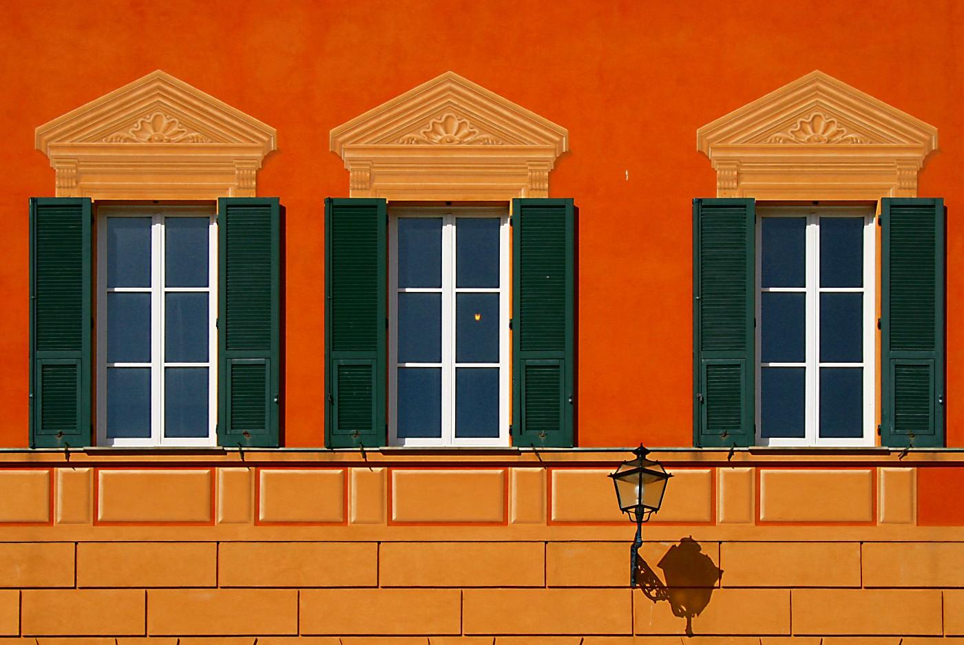 """photo """"windows"""" tags: architecture, genre, landscape,"""