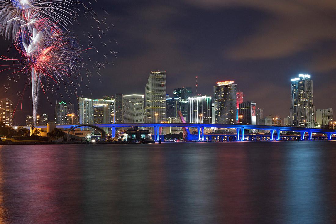 """фото """"4th of July Miami Downtown"""" метки: пейзаж, ночь"""