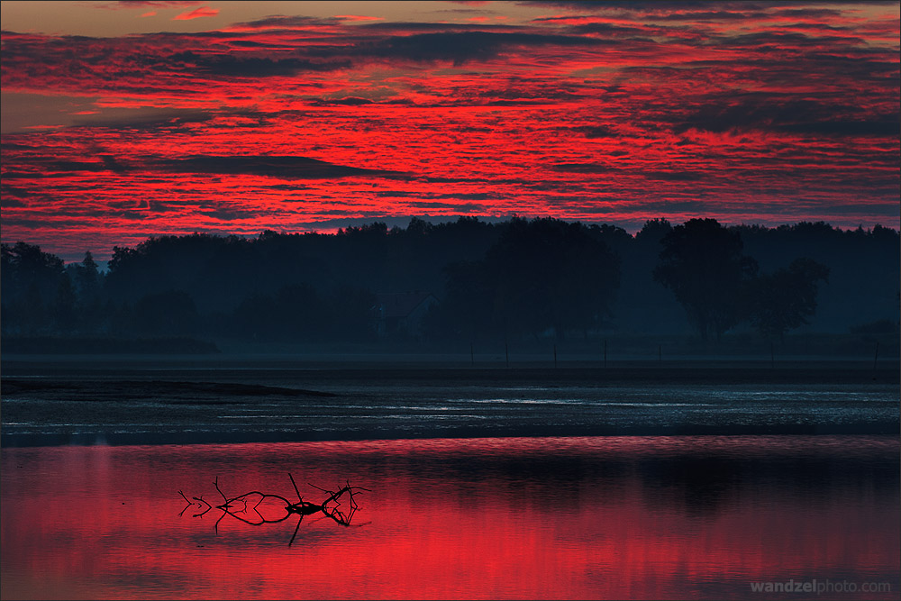 "фото ""Blood of the morning"" метки: пейзаж, вода, закат"