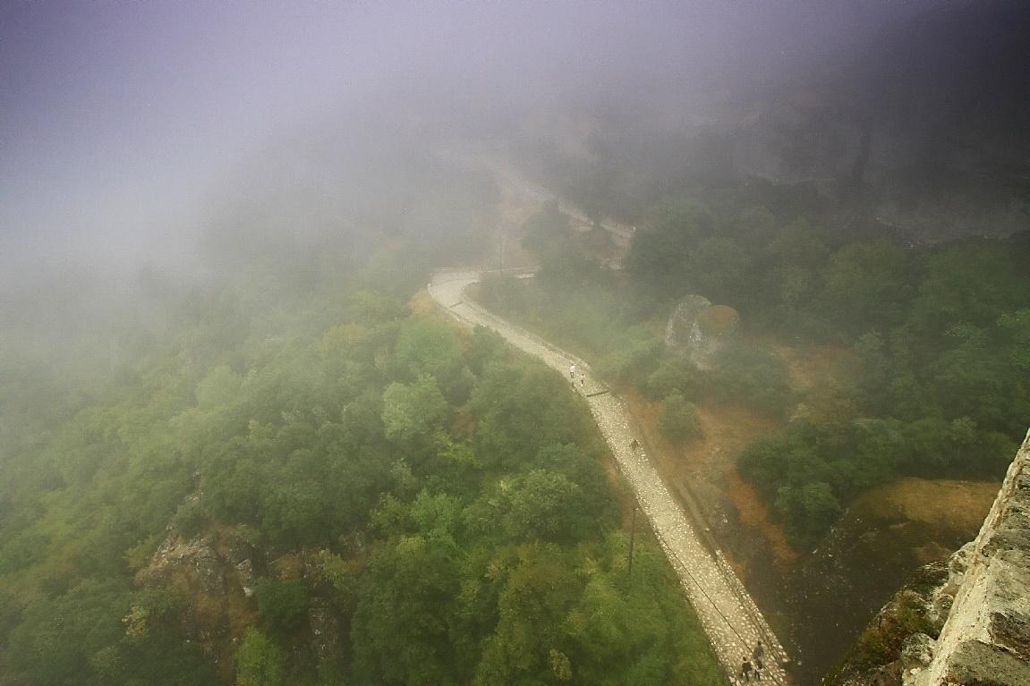 """фото """"промеж монастырей туманный путь"""" метки: пейзаж, путешествия, Европа, горы"""