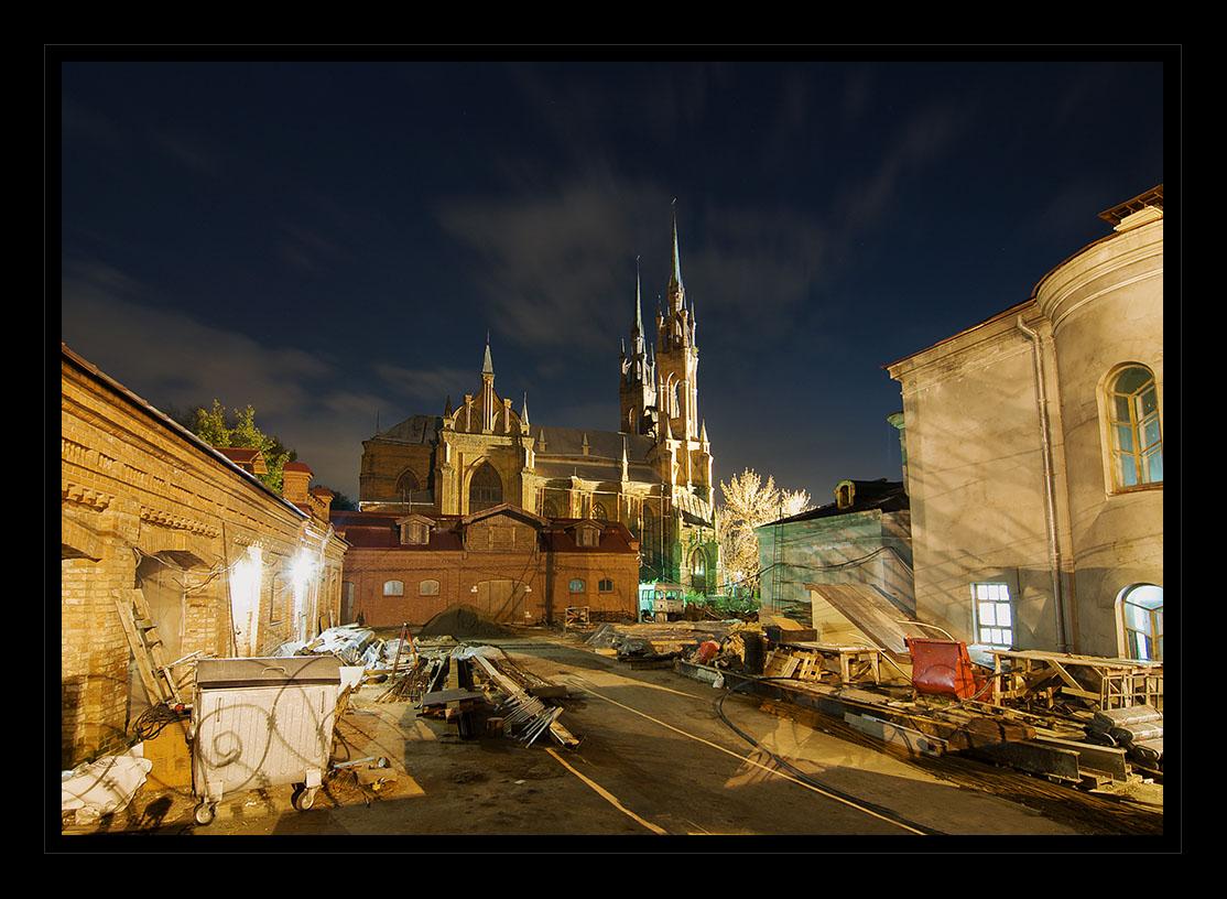 "photo ""Castle"" tags: architecture, landscape, night"
