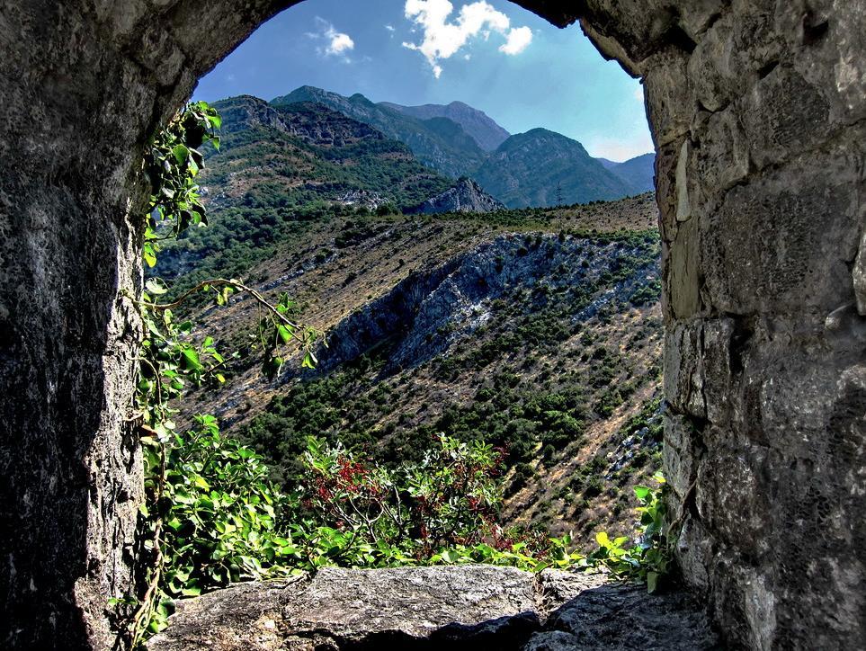 """фото """"Вид из цитадели Старого Бара"""" метки: пейзаж, горы"""