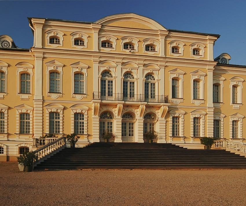 """фото """"Рундальский дворец..."""" метки: архитектура, пейзаж,"""