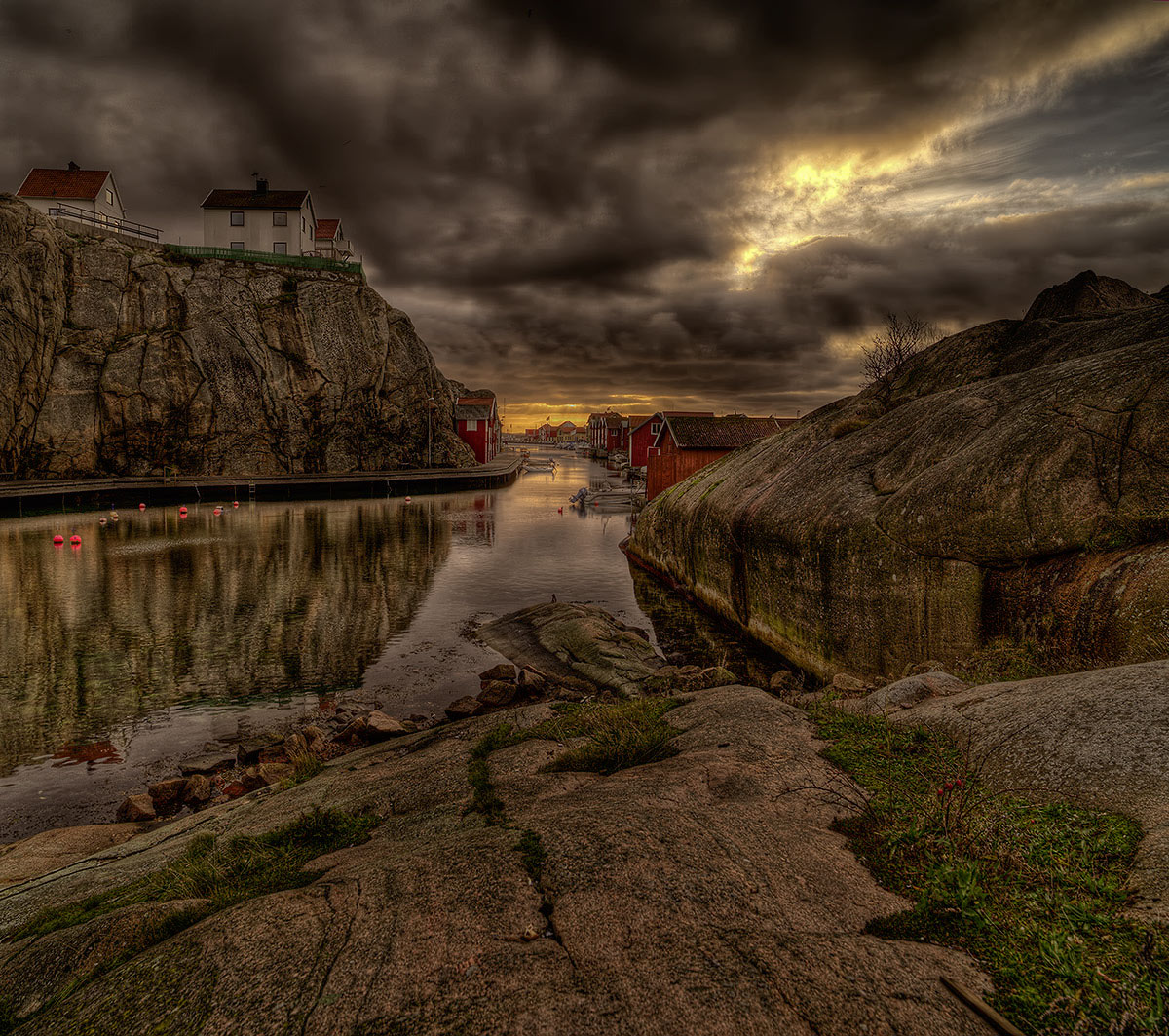 "photo ""Befor the storm...."" tags: landscape, clouds, water"