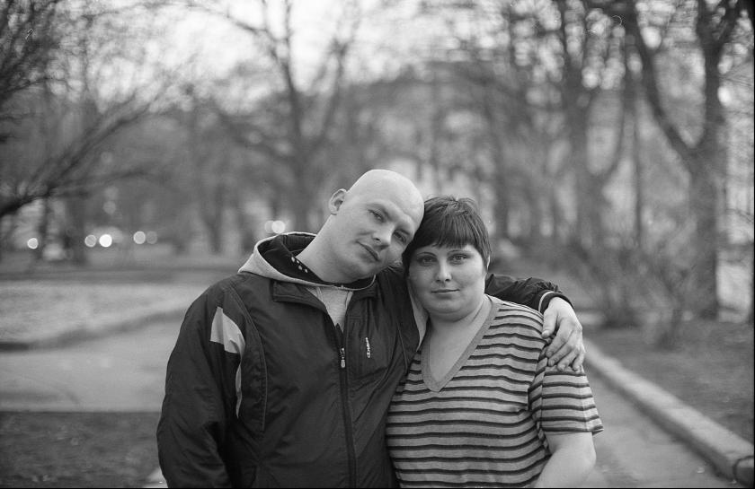 """photo """"двое с Елоховой, из сквера, у которых не было электронной почты"""" tags: portrait, black&white,"""