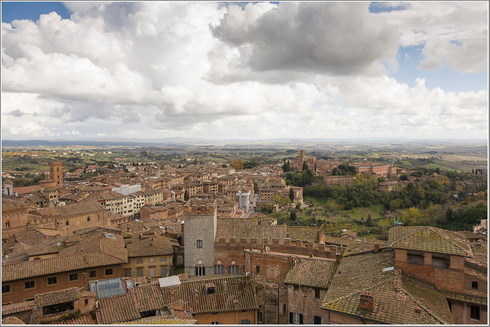 "photo ""Siena"" tags: architecture, landscape,"