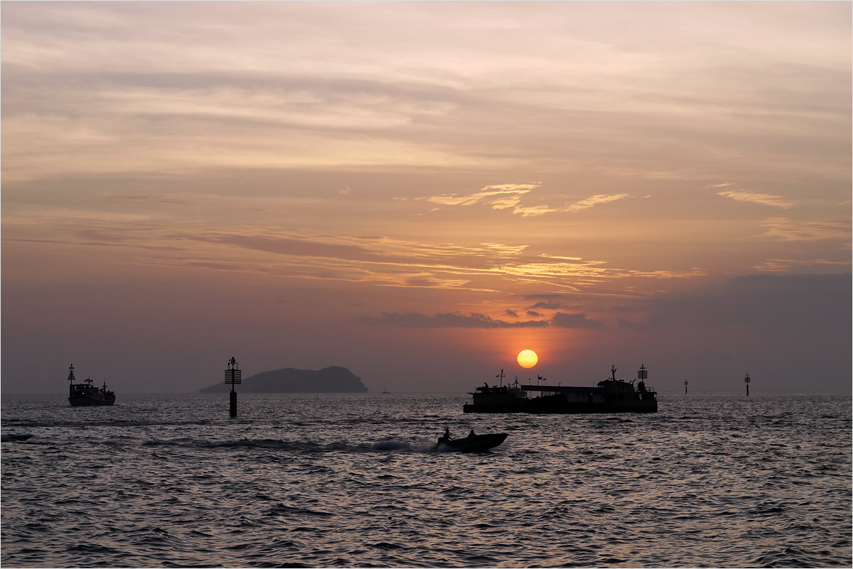 "photo ""***"" tags: landscape, Asia, sea, sky, sunset, water"