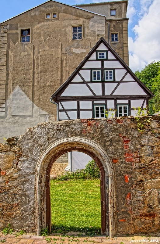 "photo ""GateToTheAges"" tags: travel, Europe"