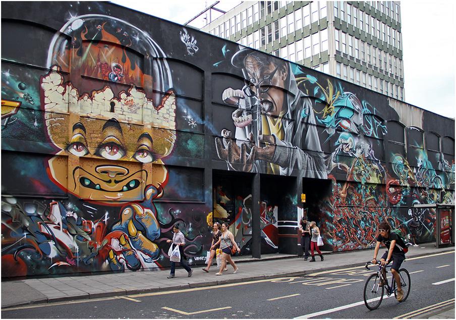 """фото """"Какие ножки! или Улица в стиле  граффити."""" метки: жанр, грaффити"""