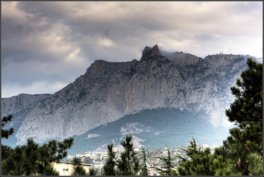 """фото """"Туманное утро близ Ай-Петри"""" метки: пейзаж, весна, горы"""