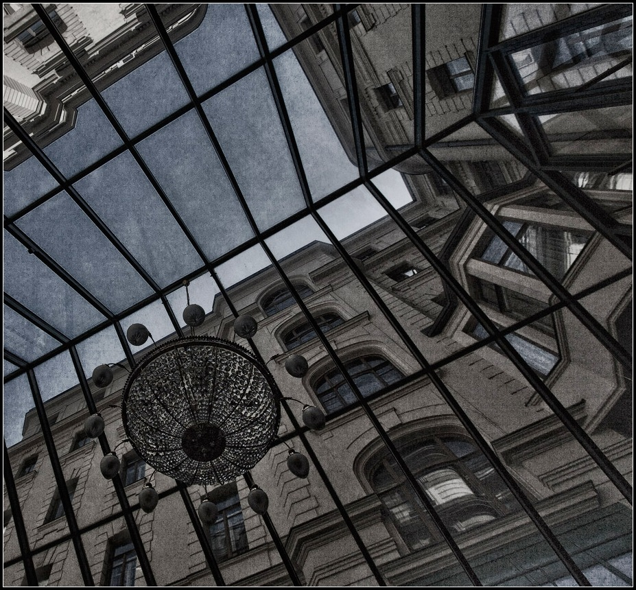 "photo ""spider"" tags: architecture, fragment, landscape,"