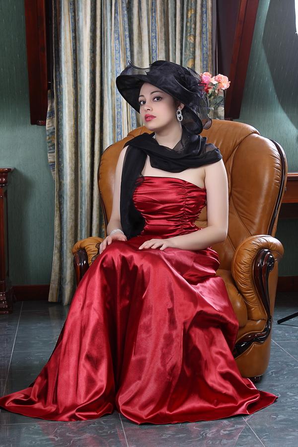 """photo """"Romance"""" tags: portrait, glamour, woman"""