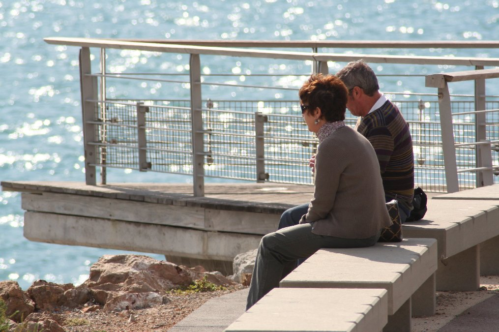 "photo ""speaking watching the  sea"" tags: reporting,"