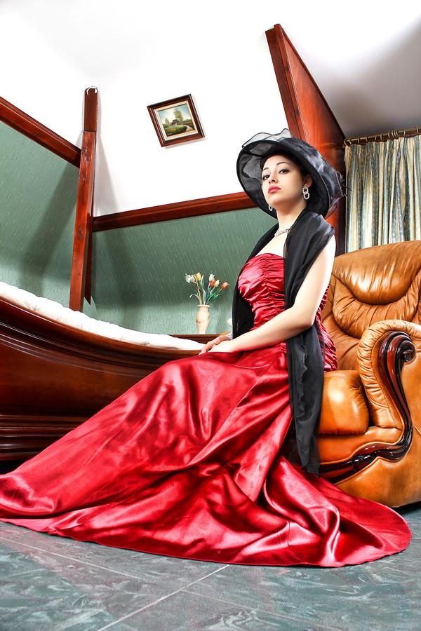 """photo """"Romance 2"""" tags: portrait, glamour, woman"""