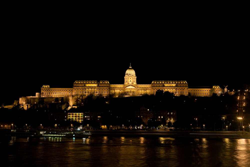 "photo ""Budapest's Palace at night"" tags: travel, Europe"
