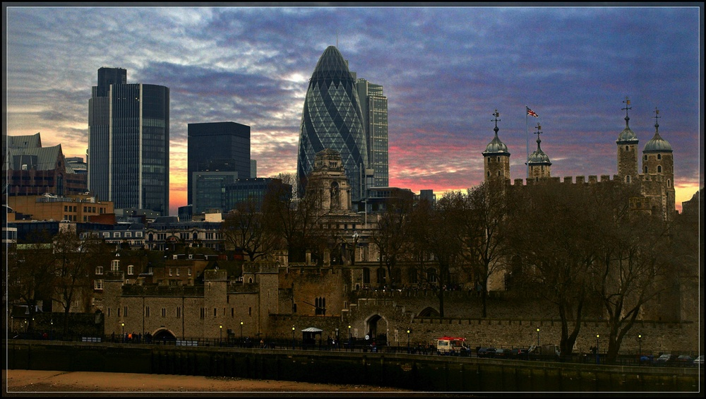 "photo ""Evening in the Tower"" tags: architecture, landscape, sunset"
