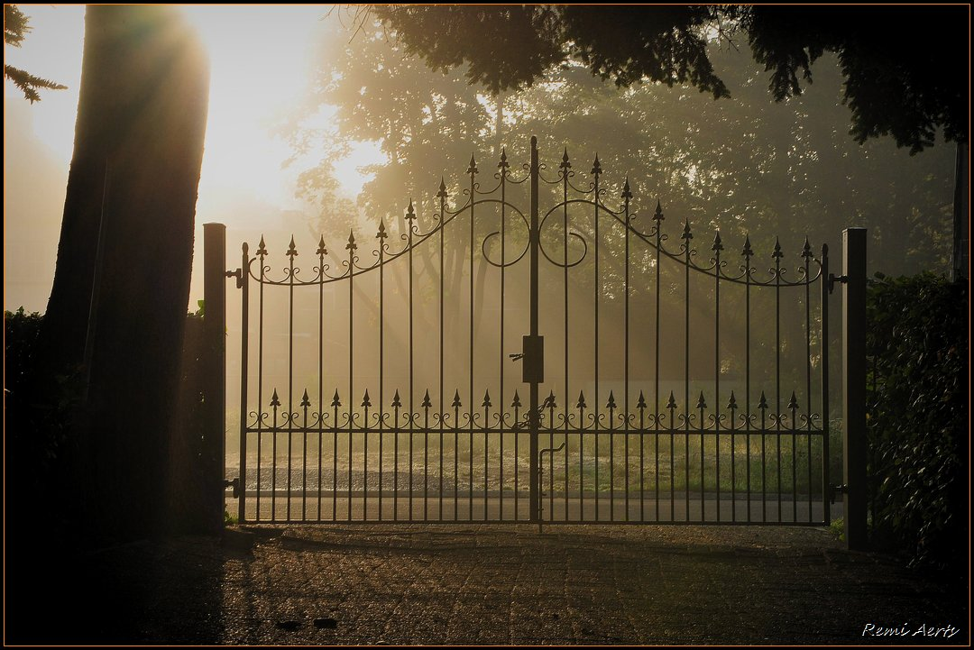 "photo ""garden gate"" tags: landscape, architecture, sunset"