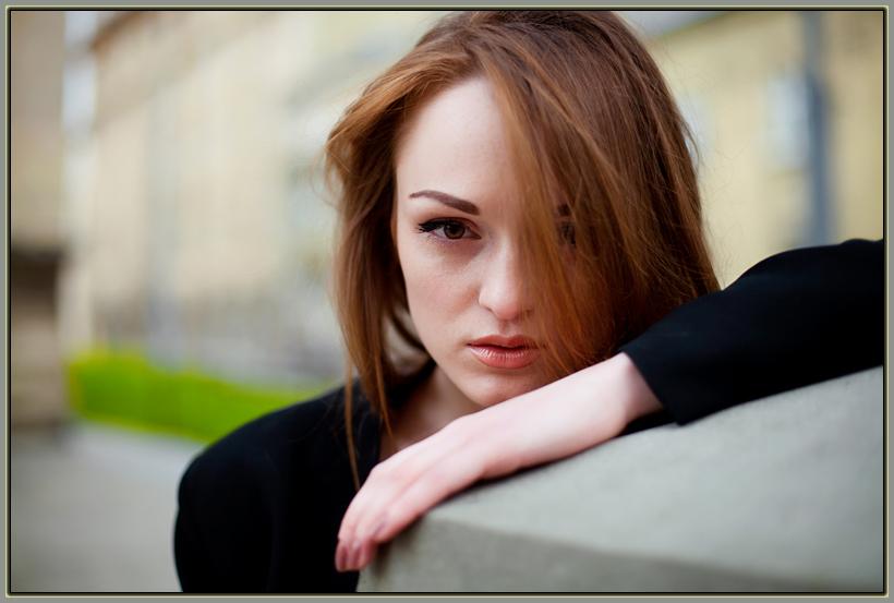 """photo """"* * *"""" tags: portrait, woman"""