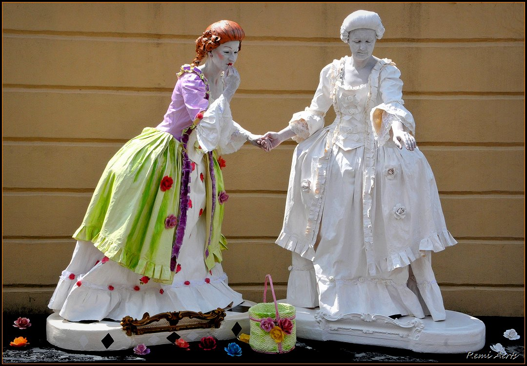 """photo """"living statues - the lovely ladies"""" tags: portrait, reporting, woman"""