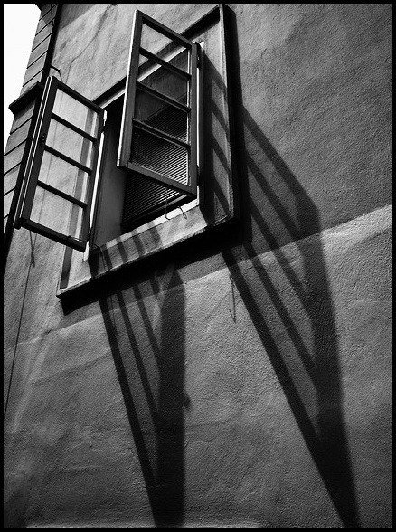 """photo """"Ставень и тени"""" tags: black&white,"""