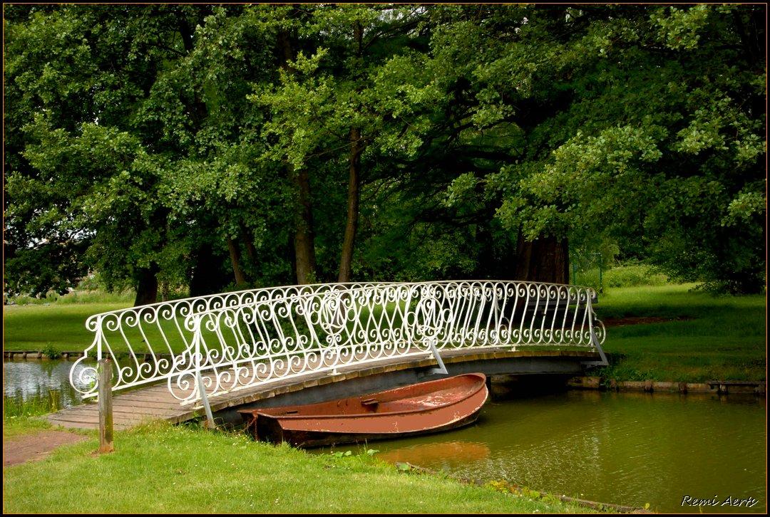 """фото """"bridge and boat"""" метки: пейзаж, весна, вода"""