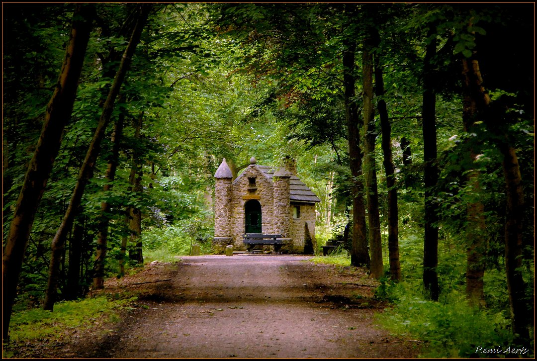 "photo ""chapel in the woods"" tags: ,"