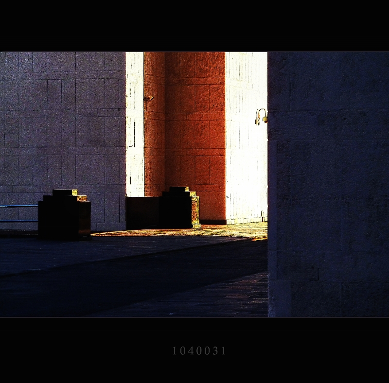 "photo ""angles"" tags: , 2012"