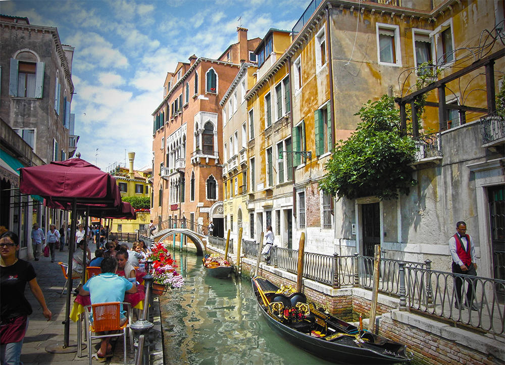 "photo ""Street of Venice"" tags: travel, Europe"