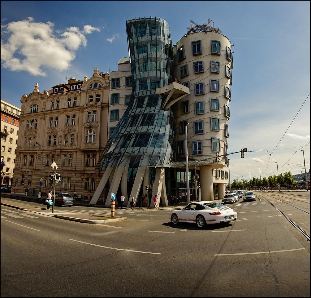 "фото ""Танцующий дом"" метки: архитектура, пейзаж,"