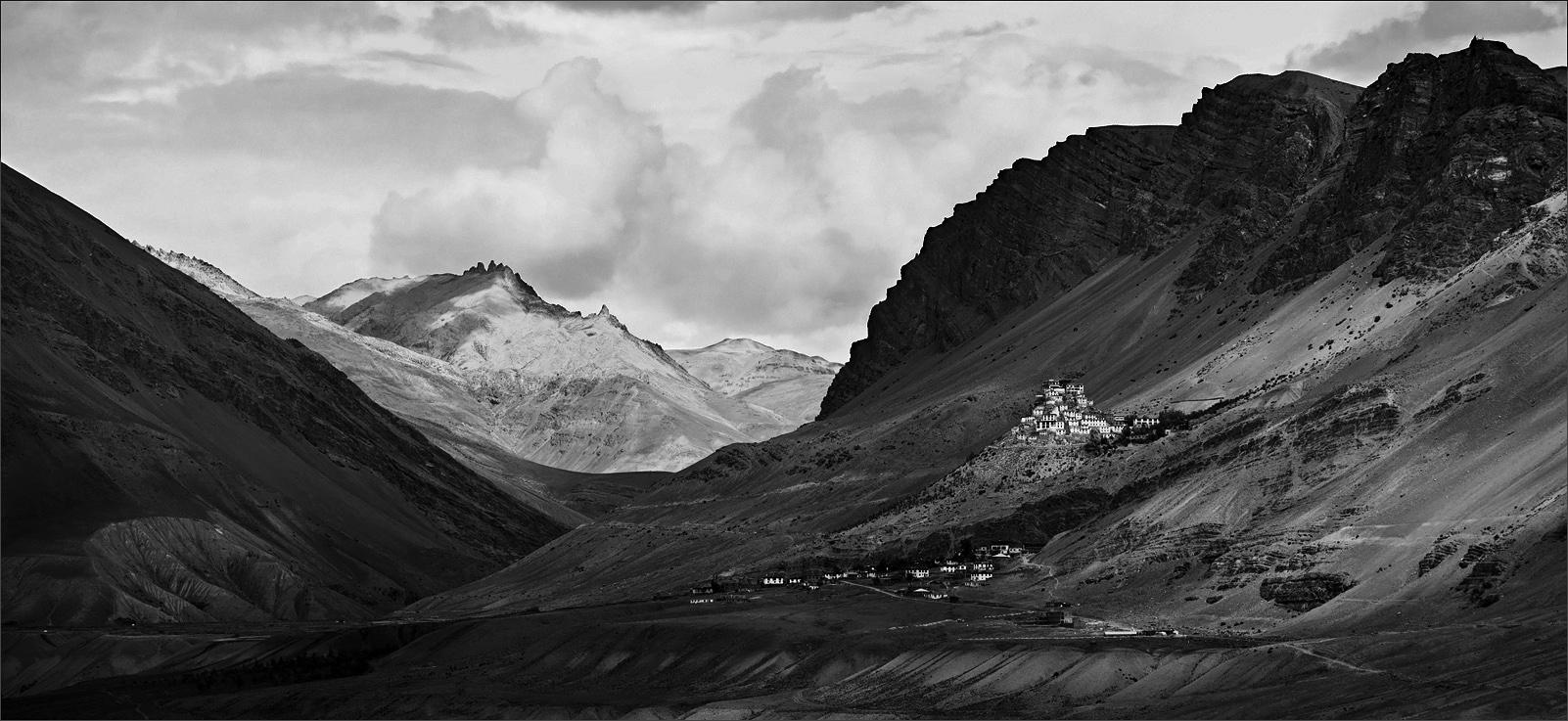 """фото """"У монастыря Ки в долине реки Спити"""" метки: пейзаж, горы"""