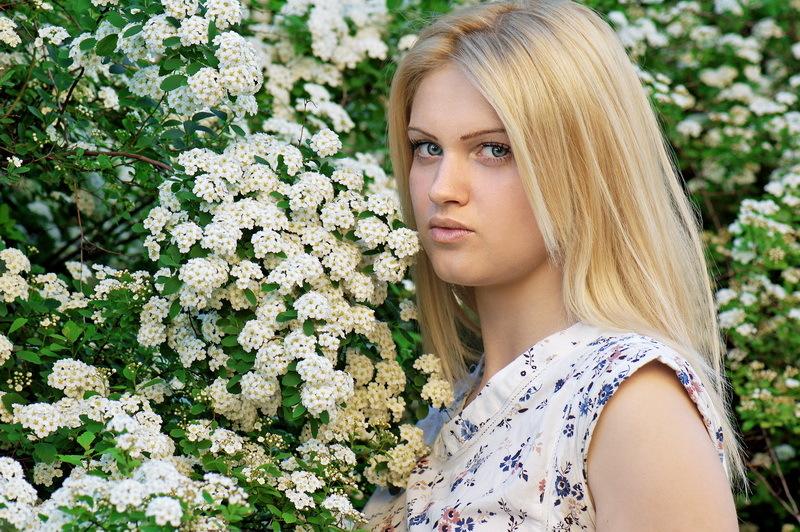 "photo ""One Flower"" tags: portrait,"