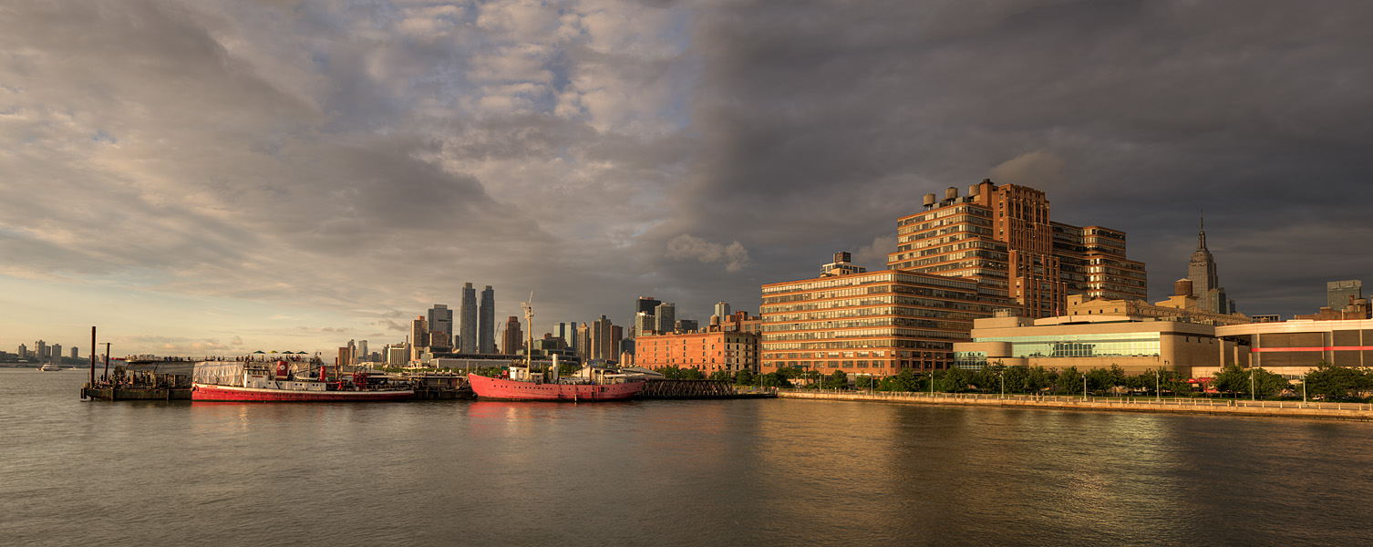 "photo ""The city's golden hour"" tags: landscape, panoramic, HDR, New York City, sunset, water"