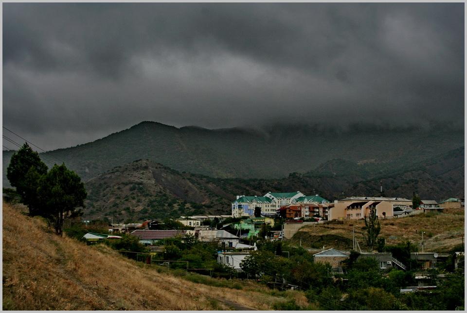 """фото """"Поселок Уютное.Крым."""" метки: пейзаж, горы"""