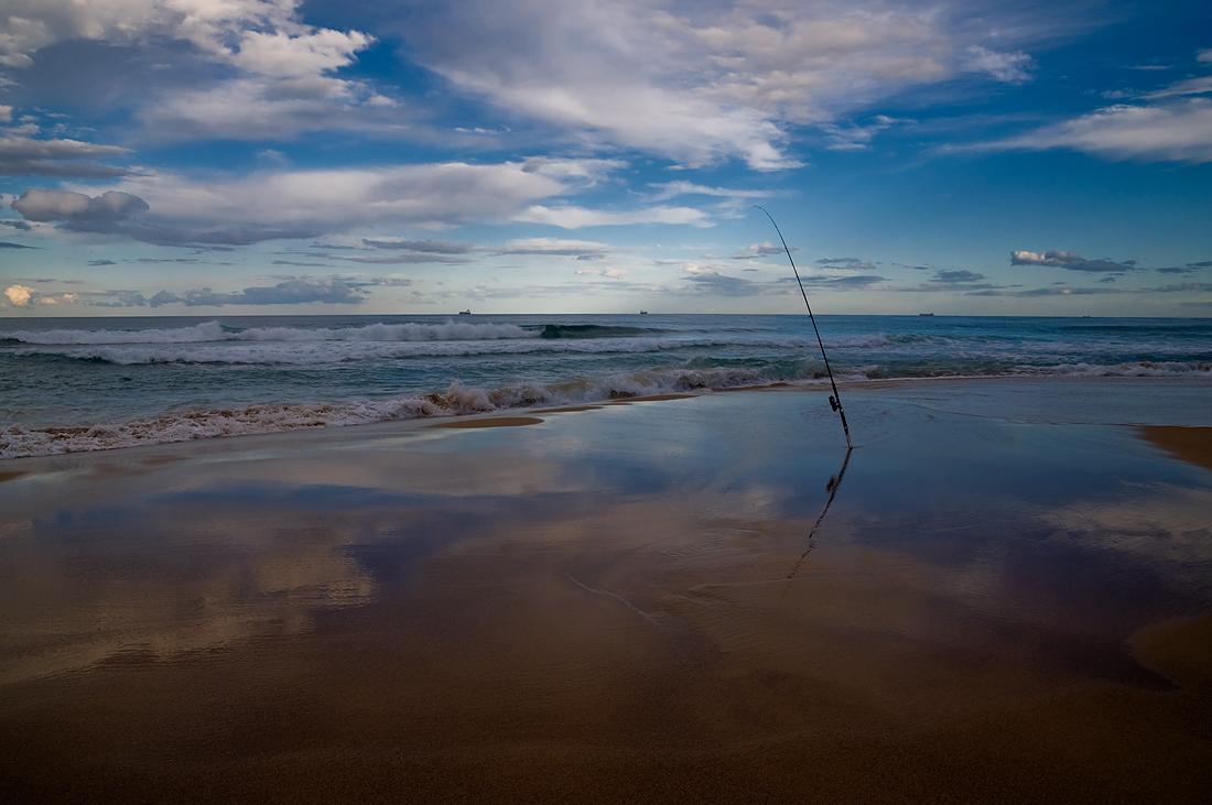 """фото """"Fishing at sunset"""" метки: пейзаж, вода, закат"""