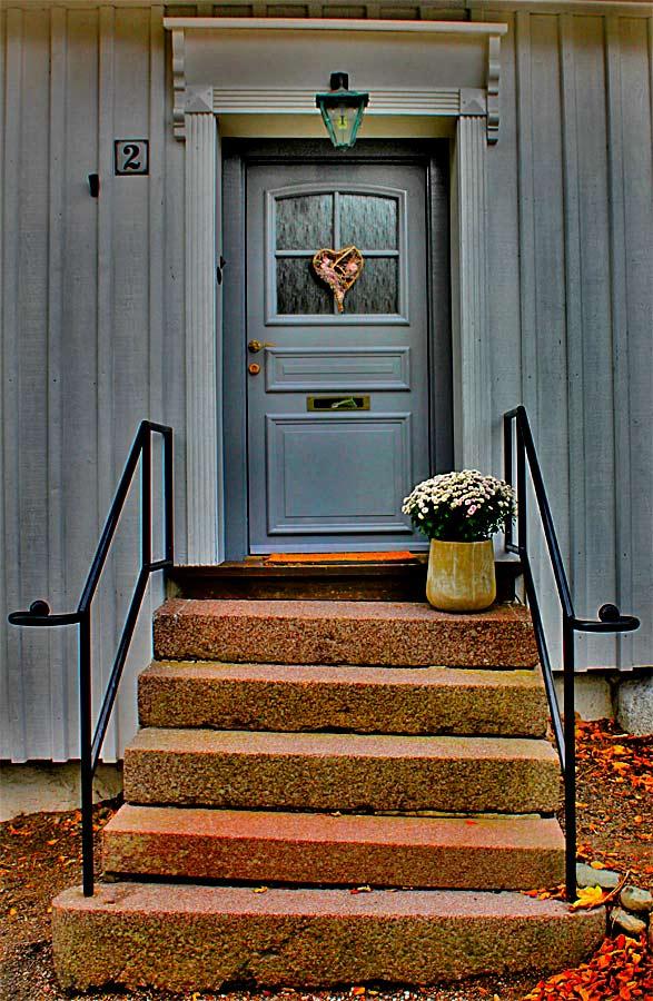 "photo ""The door"" tags: still life, Europe"