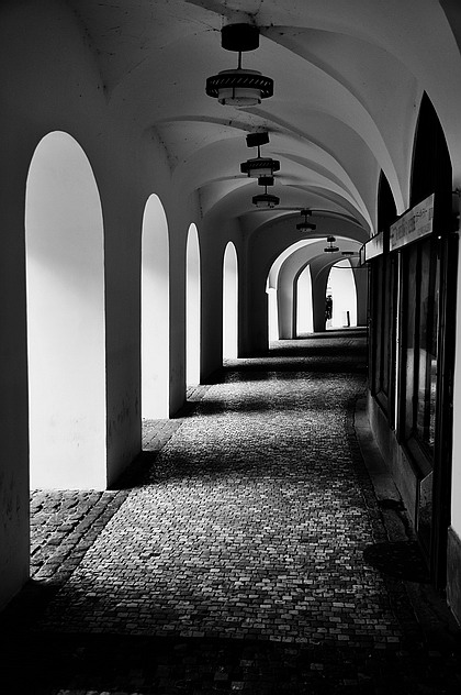 "photo ""Аркада"" tags: black&white, Prague"