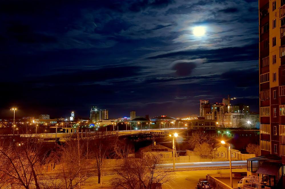 """фото """"Лунная ночь"""" метки: город, ночь, полнолуние"""